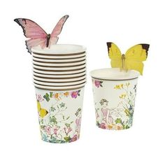 These pretty paper fairy party cups are every little birthday fairy's dream! Featuring a beautiful floral fairy setting design, these cups come with sweet butterflies to attach to the top of your cups, adding that extra touch of magic. Butterfly Party Decorations, Butterfly Birthday Party, Princess Party Decorations, Fairy Birthday Party, Garden Birthday, Birthday Ideas, 4th Birthday, Party Themes, Birthday Parties
