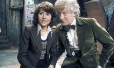 Elisabeth Sladen as Sarah Jane Smith...& I'm seriously thinking about using that outfit for a cosplay at D*Con...