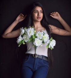 Yashi Tank is one of the most well liked Tik Tok star in india . She is one of the fastest growing tik toker in india . Cute Funny Baby Videos, Cute Funny Babies, Boyfriend Photos, Bridesmaid Dresses, Wedding Dresses, Net Worth, Biography, Tik Tok, Cute Pictures