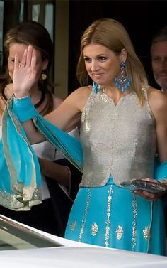 Crown Princess Maxima Of Holland Leaves The Grand Hotel, Stockholm To Attend A Party At Drottningholm Palace, Near Stockholm As Part Of The Pre Wedding Celebrations For Crown Princess Victoria Of. Get premium, high resolution news photos at Getty Images Estilo Real, Princess Victoria Of Sweden, Crown Princess Victoria, Queen Of Netherlands, Dutch Princess, Pre Wedding Party, Royal Look, Nassau, Queen Maxima