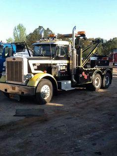 Nice Cool Trucks, Big Trucks, Towing And Recovery, Ford Torino, Peterbilt Trucks, Tow Truck, Commercial Vehicle, Classic Trucks, Semi Trucks