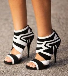 FSJ Black and White Zebra Stripe Hollow Out Pumps Winter Fashion Black and White Zebra Peep Toe Stilettop Heels Ankle Boots New Years Outfit Casual New Year Holiday Party Outfit Italian Street Style| FSJ #partyoutfits