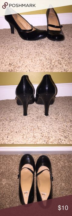 Mia black high heels Black round toe high heels. Excellent condition. Only wore maybe twice. Super cute heels! Shoes Heels