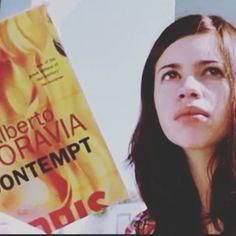 Chanda (@kalkikanmani) reads Contempt by Alberto Moravia in Dev. D (2009). #BooksInMovies #WhatPeopleReadInMovies #Contempt #AlbertoMoravia #DevD #KalkiKoechlin #Chanda #Books #Movies #Cinema #Literature #LiteratureInCinema #LiteratureInFilms