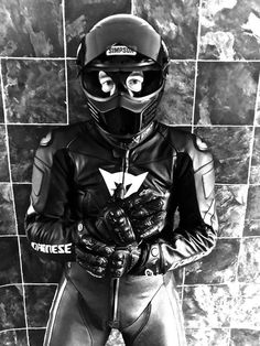 of wearing leather Motorcycle Wear, Motorcycle Leather, Biker Leather, Leather Men, Sexy Biker Men, Biker Boys, Motard Sexy, Rubber Catsuit, Motorbike Leathers