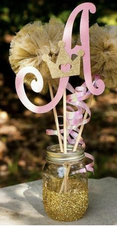Princess or prince centerpiece This is Made with a mason jar bottom with a glitter and a gold crown Princess Birthday Centerpieces, Birthday Decorations, Baby Shower Decorations, Sweet 16 Decorations, 1st Birthday Party For Girls, Gold Birthday, Princess Theme, Baby Shower Princess, Princess Sofia