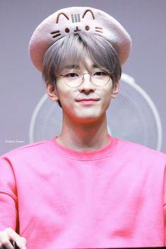Listen to every Seventeen track @ Iomoio Woozi, Jeonghan, The8, Vernon, Kdrama, Emo, Adore U, Seventeen Wonwoo, Korean Boy
