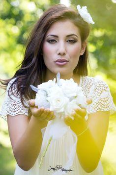 bouquet de fleur mariage fleurs blanches Jenny's photographe spécialisée dans le mariage sur toulouse et dans le tarn www.jennys-photo.com