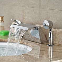 82.60$  Buy here - http://aliisd.worldwells.pw/go.php?t=32457696012 - Wholesale And Retail Promotion Widespread Bathroom Tub Faucet Waterfall Chrome Tub Sink Mixer Tap W/ Hand Unit 82.60$