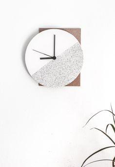Passion Shake | DIY Component Wall Clock | http://passionshake.com