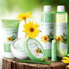Pure Nature Organic Aloe Vera & Arnica 80% Pure with soothing Arnica. Offers particular healing and soothing properties. Provides immediate relief to stressed, irritated or damaged skin.