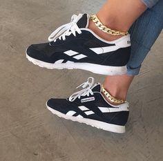Ladies sneakers