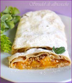 Strudel di albicocche con pasta tirata o pasta matta ... delizioso ! Perfetto per #nottefood #unanottedamangiare #nightfood http://blog.giallozafferano.it/dulcisinforno/strudel-di-albicocche/
