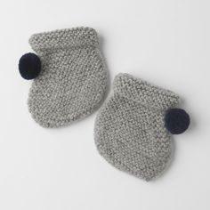 Luxurious Organic Infant and Baby Clothing: accessories : Pom Booties