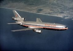 [American Airlines, McDonnell Douglas] in flight Civil Aviation, Aviation Art, Mcdonald Douglas, Douglas Aircraft, Old Planes, Boeing 727, Passenger Aircraft, Airplane Travel, Commercial Aircraft
