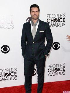 Eduardo Verastegui classes it up 2 say the least! People's Choice Awards 2014