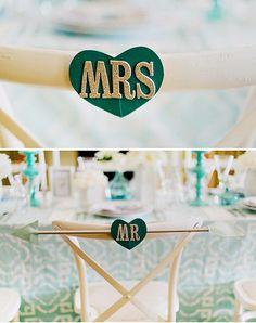 Decoração de noivado ou mini casamento: Tons de azul  http://www.blogdocasamento.com.br/noivado-nova-estrutura/decoracao-para-noivado/decoracao-de-noivado-ou-mini-casamento-tons-de-azul/#more-21443