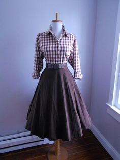 VINTAGE 1950s 1960s Chocolate Brown Accordion Style Pleated Full Skirt by bluebarnvintage on Etsy https://www.etsy.com/listing/257646873/vintage-1950s-1960s-chocolate-brown