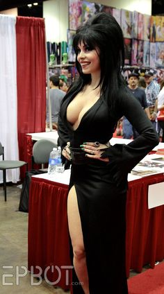 Elvira Cosplay that might be a quick fun cosplay