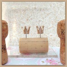Kroontjes oorknopjes, goud kleur,oorbel van Het Huis van Makers op DaWanda.com  #handmade