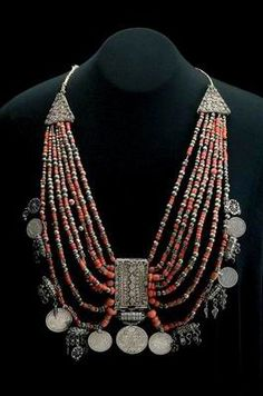 Yemen | Necklace (mashhatta) from the southern part. ca. early 1900s | Silver, filigree and granulation; corals and Austrian coins