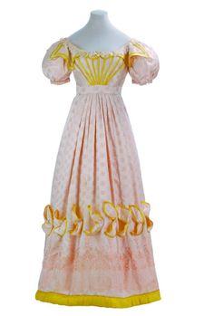 Evening dress ca. 1825-27 From the Museo de la Moda