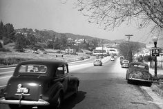 Now this is Killer-Diller!  Sunset Boulevard approaching Doheny in West Hollywood. Up ahead, where the white building stands, is 9169 Sunset Boulevard. Photo taken in 1947.