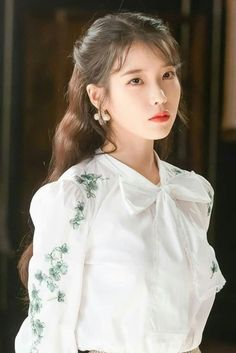 Hotel Del Luna IU Fashion - White Flower Embroidered Blouse <br> Find Hotel Del Luna Clothes, IU Fashion, KPOP Shirts & KPOP Blouses for an affordable price Korean Girl, Asian Girl, Korean Style, Iu Twitter, Luna Fashion, Kpop Shirts, Korean Blouse, Vintage Stil, Foto Pose