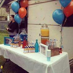 Giggle and hoot drink table