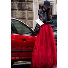 Lirio Del Valle: Red Love ..