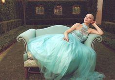 Adolescente com câncer vira modelo em ensaio de princesa. Linda!