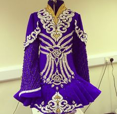 Irish Dance Solo Dress by Celtic Star. IT'S SO PRETTY IM GOING TO CRY. I swore I wouldn't repin any more Celtic stars after they treated me terribly with customer service, but dayum. That's a mighty beautiful dress. Terrible dressmaker, but gorgeous dress.