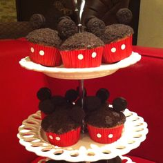 Mickey Mouse cupcakes!!!! SO COOL!!!!!!!!:)