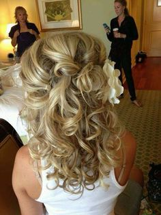 I loved the way my hair was for my wedding... I want my sister to do my hair all over again.