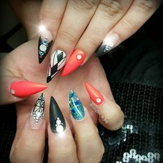 Deco inspiré du net #glitter #nail #nails #nailswag #naildesign #bling #nailartist #sparkels #bignails #nailaddict #usa #australia #miamibeach #miami #newyork #florida #world #picoftheday #instapic #instagood #instalike #instagram #scra2ch #nailporn #nailprodigy #love #summer #sun #neon #stilettos by ongles_n_joy