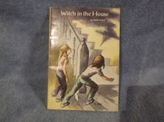 Witch in the House  Ruth Chew Vintage 1975 Scholastic Childrens Paperback TX3033