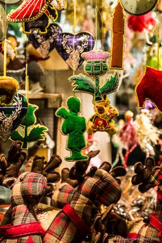 Gifts and ornaments at the Edinburgh Christmas market in East Princes Street Gardens   #christmas #christmasmarket #edinburgh #scotland #uk #christmasornaments