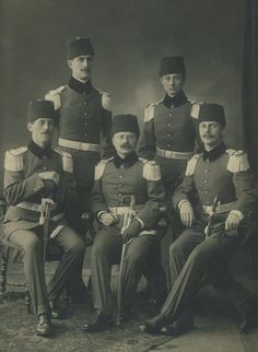 Ottoman Officers in Turkish Soldiers, Turkish Army, Turkish People, Bulgaria, War Photography, Army Uniform, Portrait Poses, Ottoman Empire, World War I