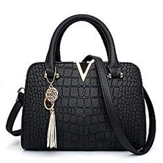 2018 Fashion Tassel Messenger Bag Ladies Pu Crocodile Leather Women Messenger Bags V Letters Designer Women Handbag Sac a main Bags Travel, Travel Bags For Women, Crossbody Shoulder Bag, Leather Shoulder Bag, Shoulder Bags, Women's Bags, Hobo Bags, Body Women, Black Leather Handbags