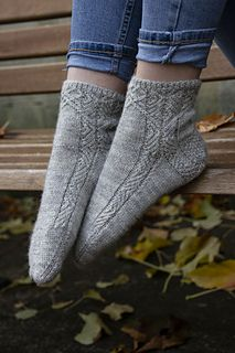 Fall Knitting, Knitting Socks, Knit Socks, Stitch Patterns, Knitting Patterns, Knitting Ideas, Rainbow Dog, Socks For Sale, Different Stitches