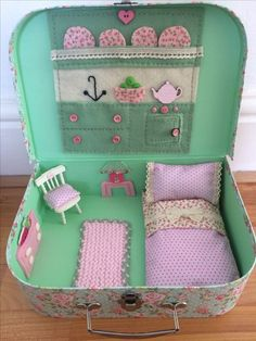 Cute little doll house in a suitcase - available to order at Poppy Dee Crafts x Doll Crafts, Fun Crafts, Diy And Crafts, Paper Crafts, Sewing For Kids, Diy For Kids, Crafts For Kids, Sewing Projects, Craft Projects