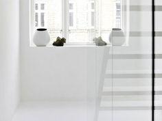 Minimal white home (via Bloglovin.com )