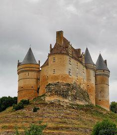 Château de Bannes. Beaumont-du-Périgord 24440. Guyenne.