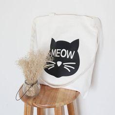 d640e115cf3c 49 Best Cat Purse   Bag images in 2019