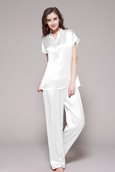 3bb5bdcfc2 Indulge her with this luxurious plus size silk pajamas. Make your day and  night full
