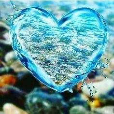 This diamond painting kit Diamond Drawing, 5d Diamond Painting, Heart Wallpaper, Love Wallpaper, Album Design, Love Heart Images, Cross Stitch Landscape, Whatsapp Wallpaper, Diy Frame