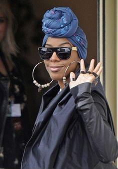 Kelly Rowland rocking her turban!