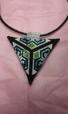 Peyote Stitch Patterns, Beading Patterns, Triangle Earrings, Beaded Choker, Beaded Jewelry, Triangles, Peyote Beading, Geometric Jewelry, Stud Earrings