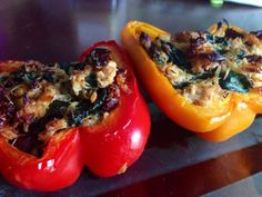 Paleo stuffed peppers with chicken, spinach and sun dried tomatoes This is better the next day. I would add more spinach, more sun-dried tomatoes and less chicken next time. Whole Food Recipes, Great Recipes, Cooking Recipes, Favorite Recipes, Healthy Recipes, Paleo Food, Cooking Ideas, Veggie Recipes, Healthy Food