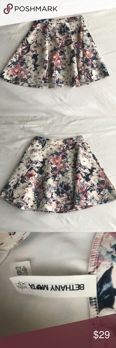 Bethany Mota Floral Skater Skirt This is perfect for all seasons! Never Worn and Feel Free to Offer Aeropostale Skirts Circle & Skater